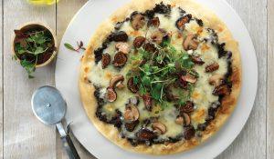 پیتزا ترافل با بلوچیز