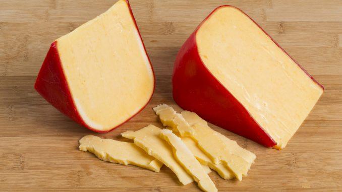 پنیر گودا دودی