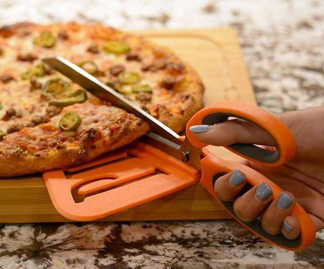 قیچی پیتزا بر