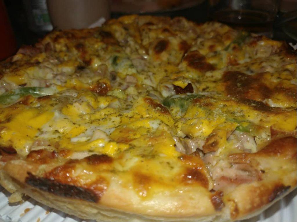 پیتزا آروین یک دیپ دیش خوشمزه بود